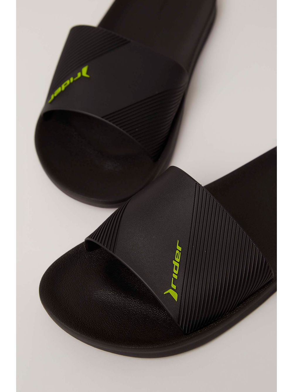 d37a27d887 Chinelo Slide Rider Preto - pittol
