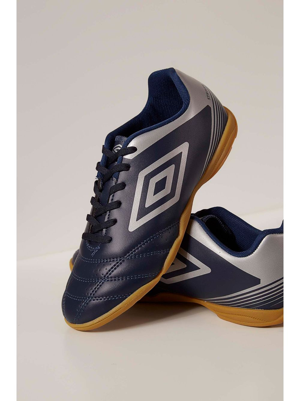 c5126262e679b Tênis Indoor Footwear Umbro Striker Iv 0f72099 Marinho - pittol
