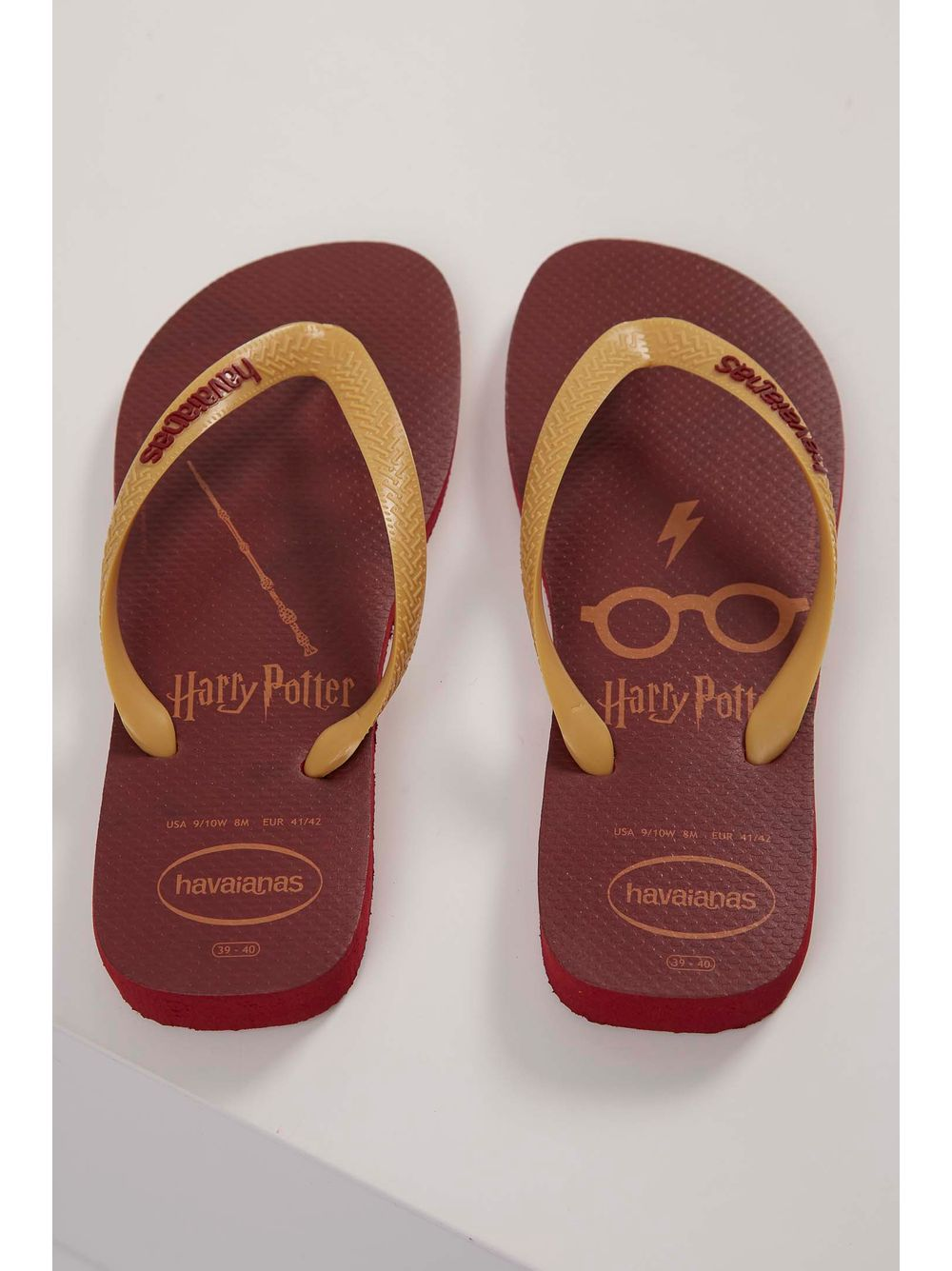 b457469793ec Chinelo Havaianas Top Harry Potter Vermelho - pittol