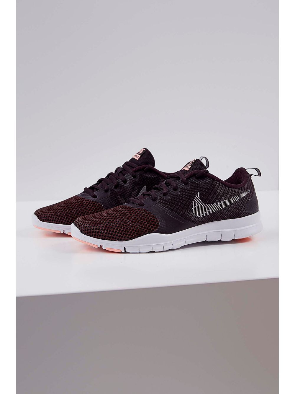 75da2cf575 Tênis Nike Flex Essential Bordo - pittol