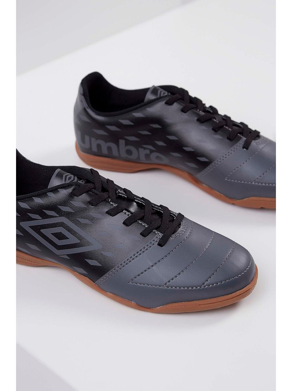 Tênis Futsal Umbro Stratus Cinza - pittol 498d0373b666d