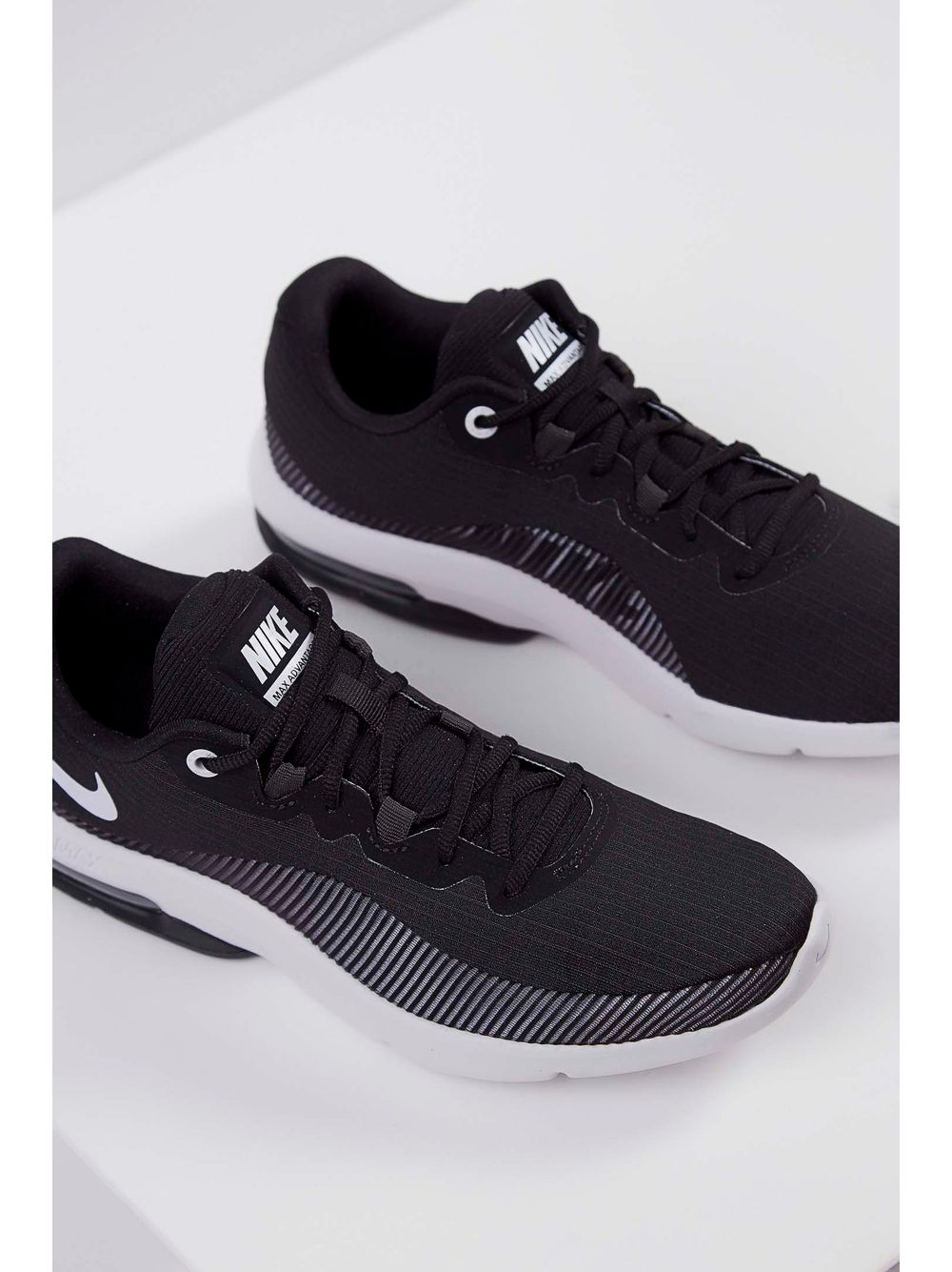 Tênis Nike Air Max Advantage 2 Feminino Preto E Branco