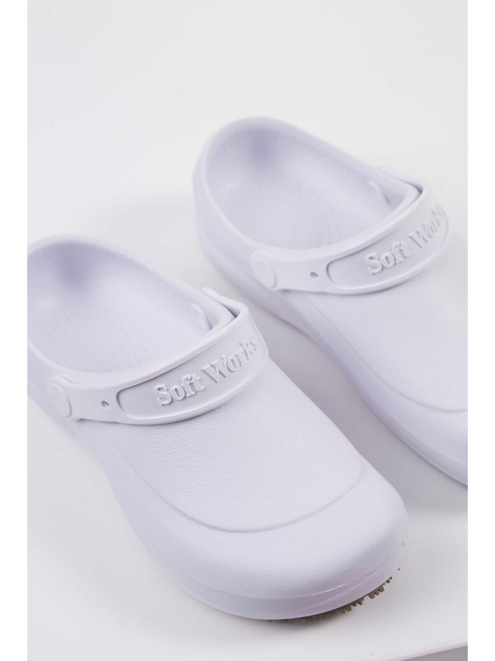6ab1f729a Babuche Crocs Soft Walk Branco - pittol