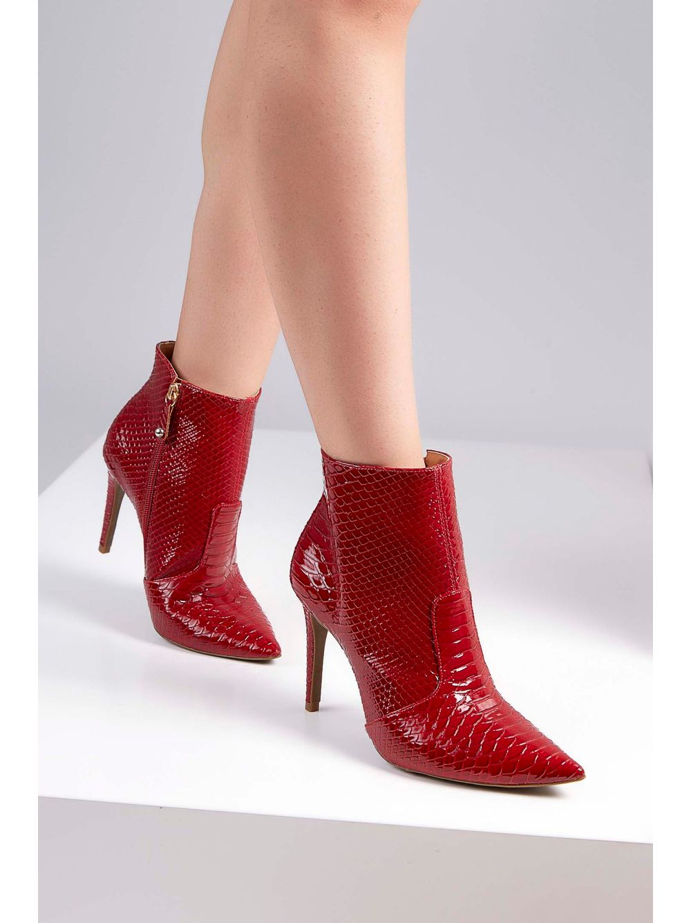 f55cf9ec97 Bota Ankle Boots Cecconello Snake Vermelho - pittol