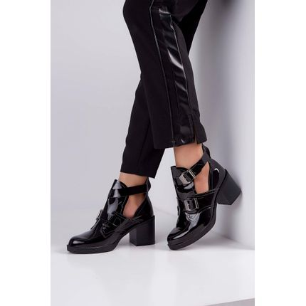 Bota-Ankle-Boots-Beira-Rio-Cut-Out-Fivela-Verniz-Preto