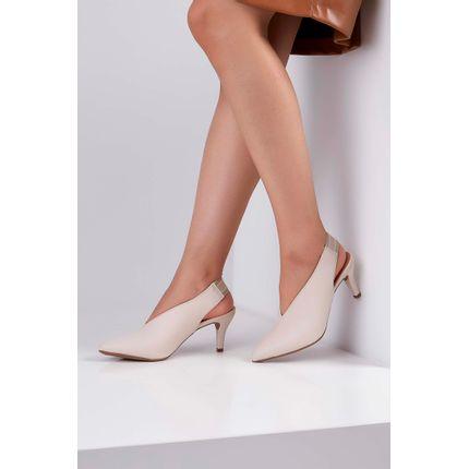 Sapato-Chanel-Cha-De-Mel-Corte-V-Bico-Fino-Off-White-