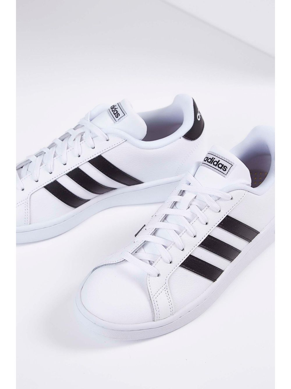 c9c5a14ec8 Tênis Casual Adidas Grand Court F36392 Branco - pittol