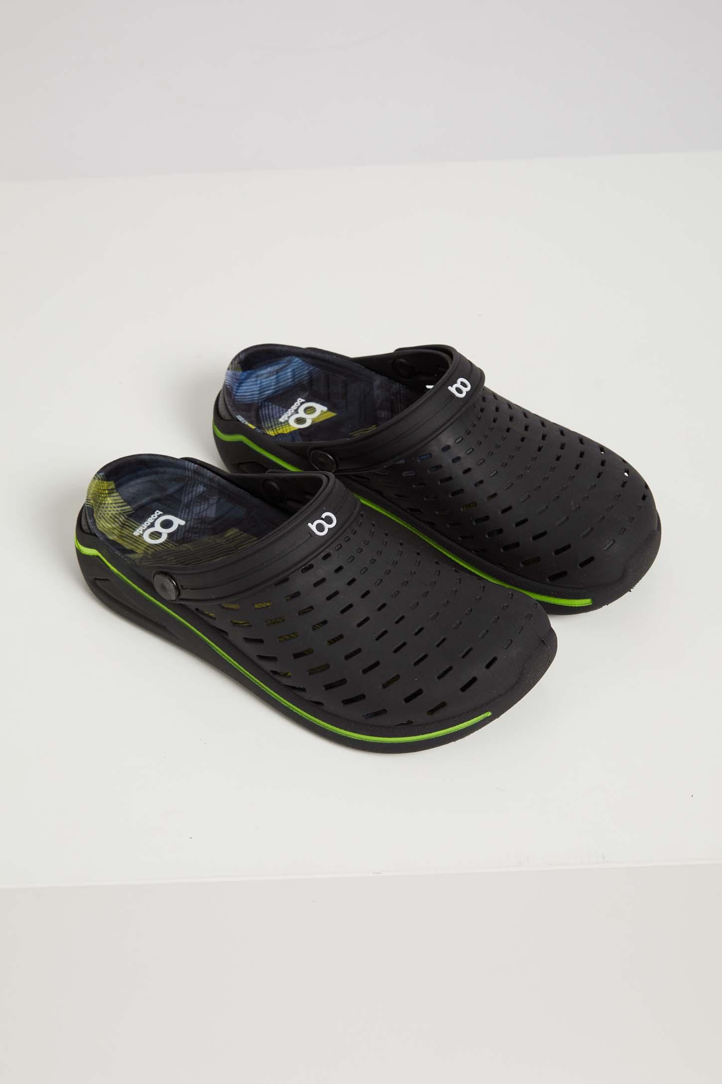 Sandalia-Crocs-Masculino-Com-Furos-Boa-Onda-Preto