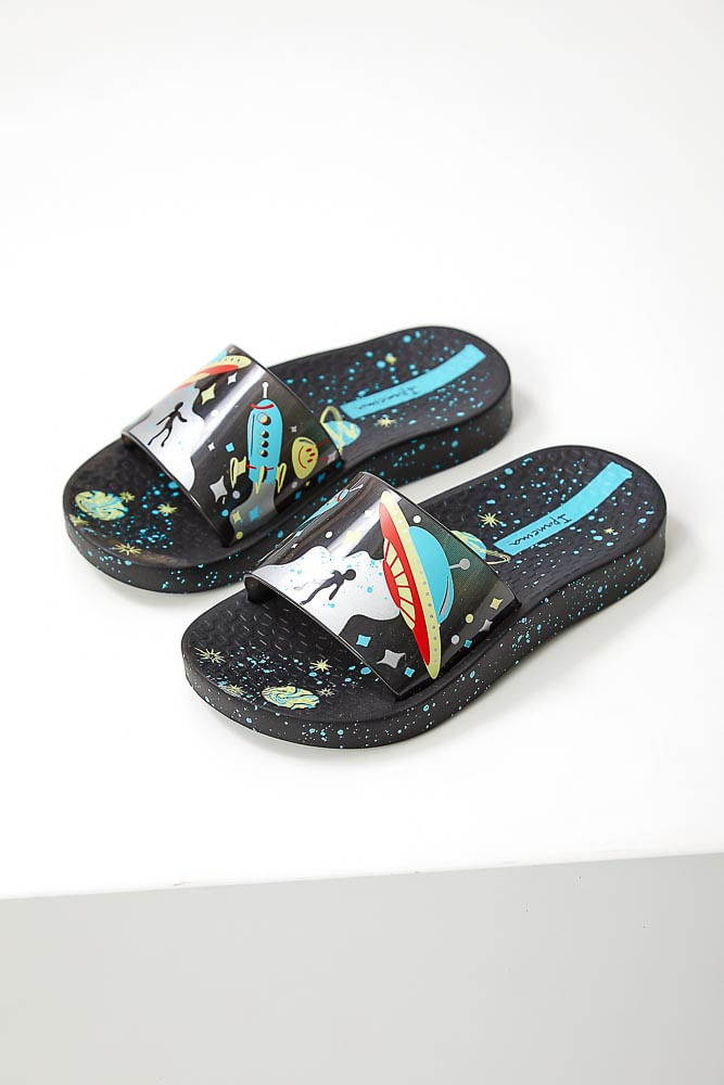 Chinelo-Slide-Juvenil-Menino-Ipanema-Espaconave-Preto